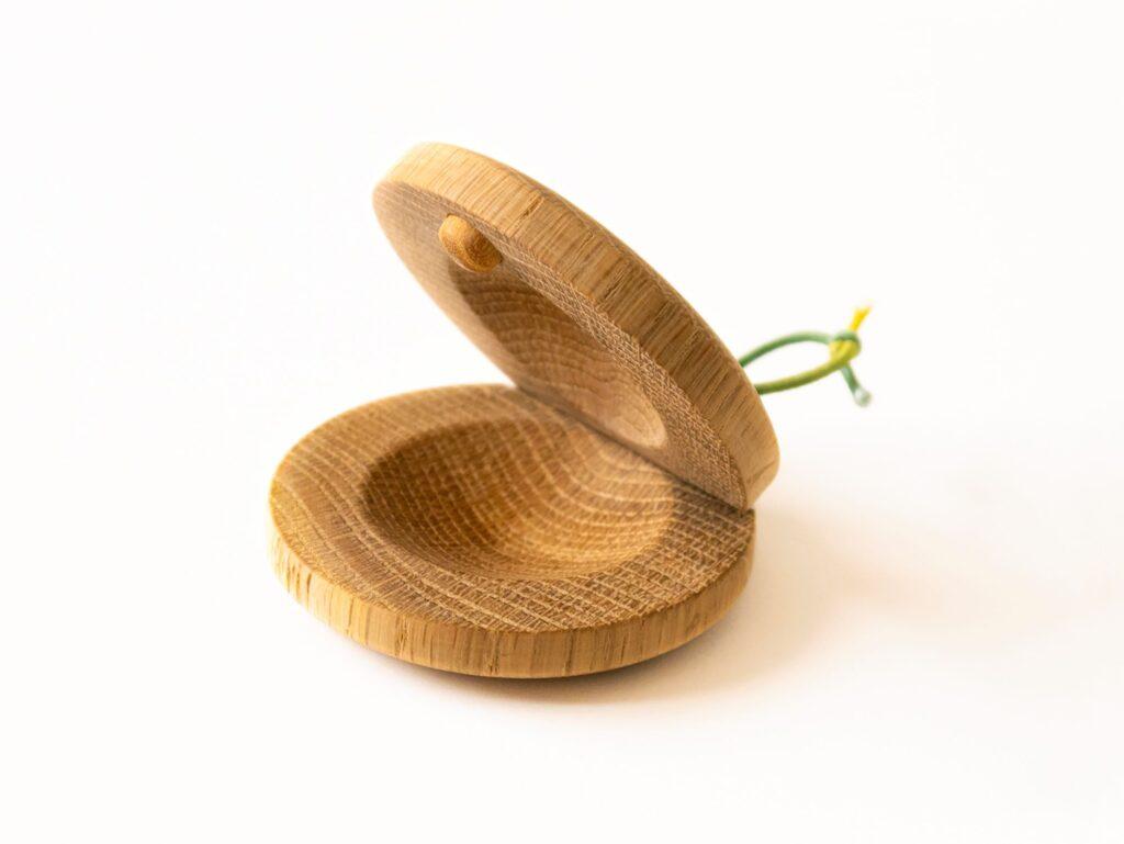楢(ナラ)の木のカスタネット